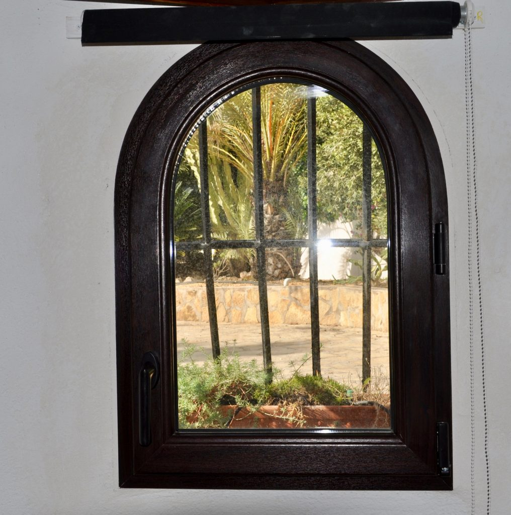 Crystal Windows Are Unique In The Market Place Because We Specialists Manufacturing Our Own Arched Using Very Latest Computerised Curving